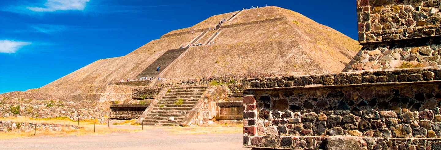 Teotihuacán, Guadalupe Basílica and Tlatelolco Day Trip
