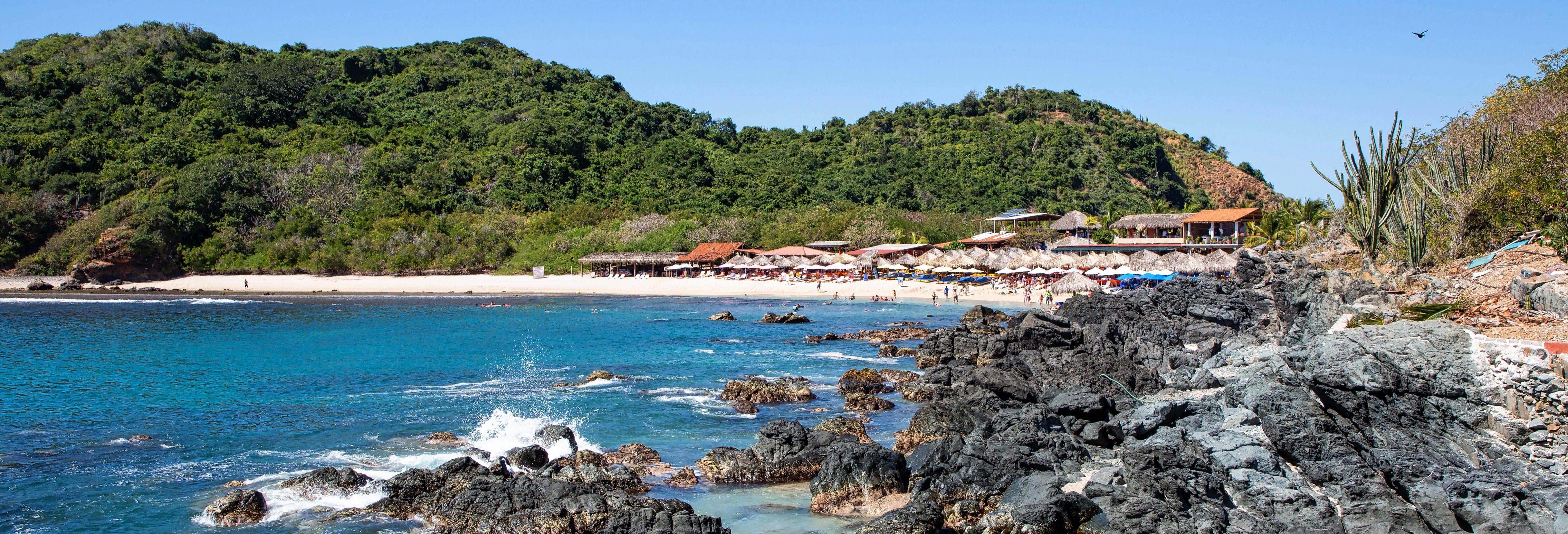 Excursión a la isla Ixtapa y playa Las Gatas + Pesca y snorkel