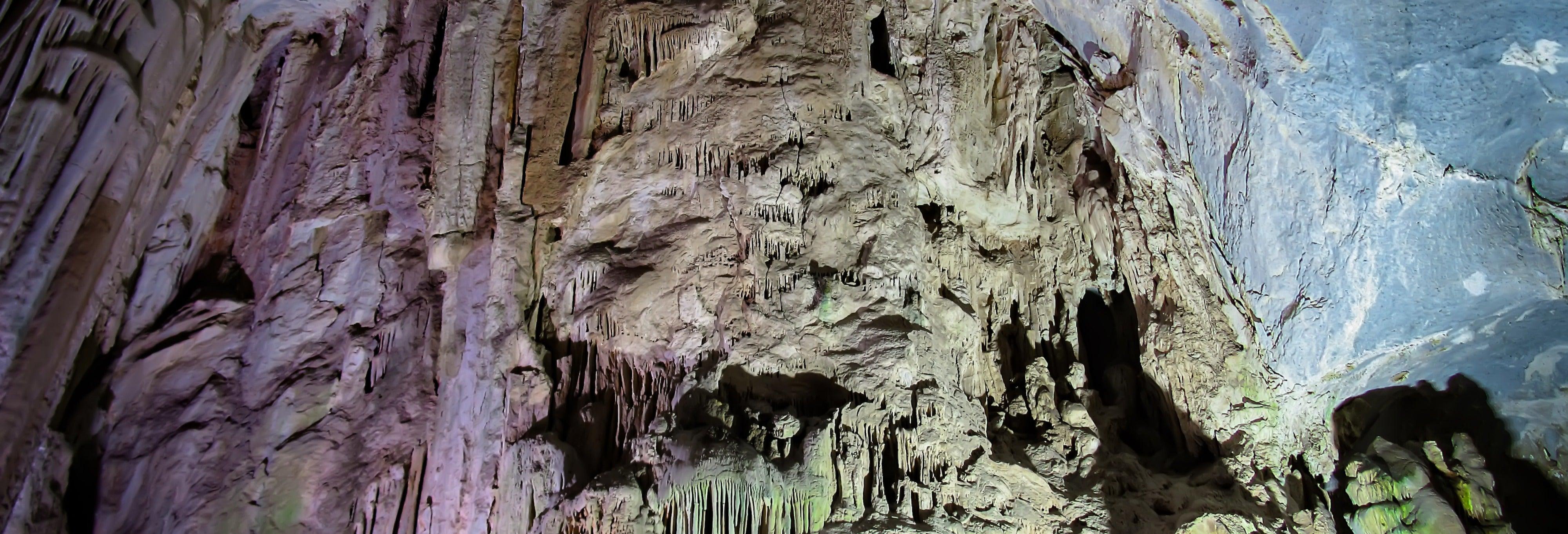 Excursion aux Grottes de Garcia