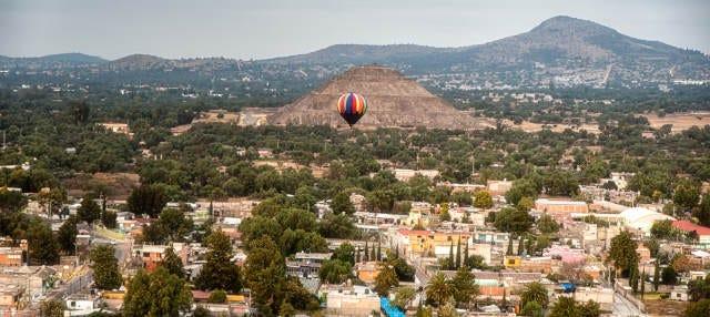 Paseo privado en globo por Teotihuacán
