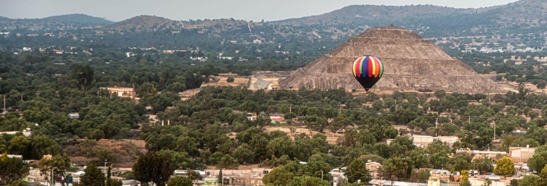 Passeio privado de balão por Teotihuacán