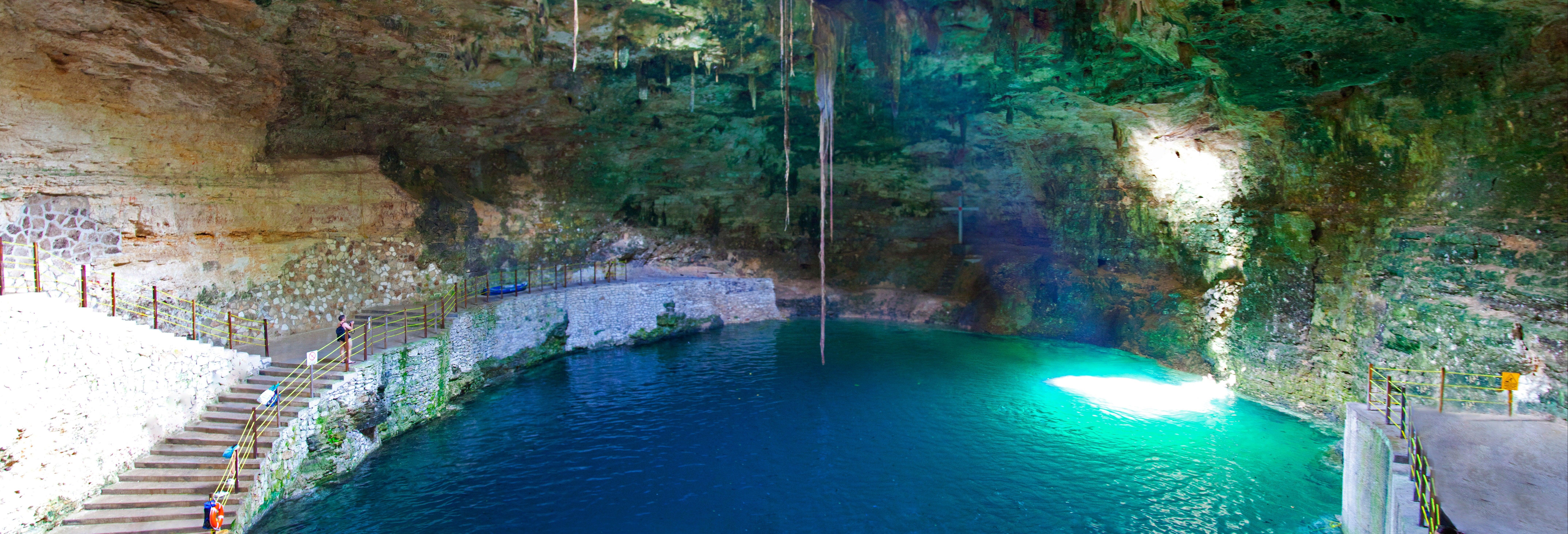 Ingresso do cenote Hubiku e Museu da Tequila Don Tadeo