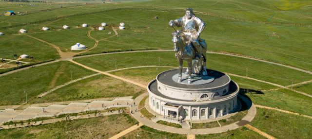Parc national de Gorkhi-Terelj + Statue Gengis Khan