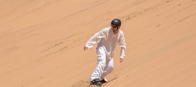 Sandboard dans le désert du Namib