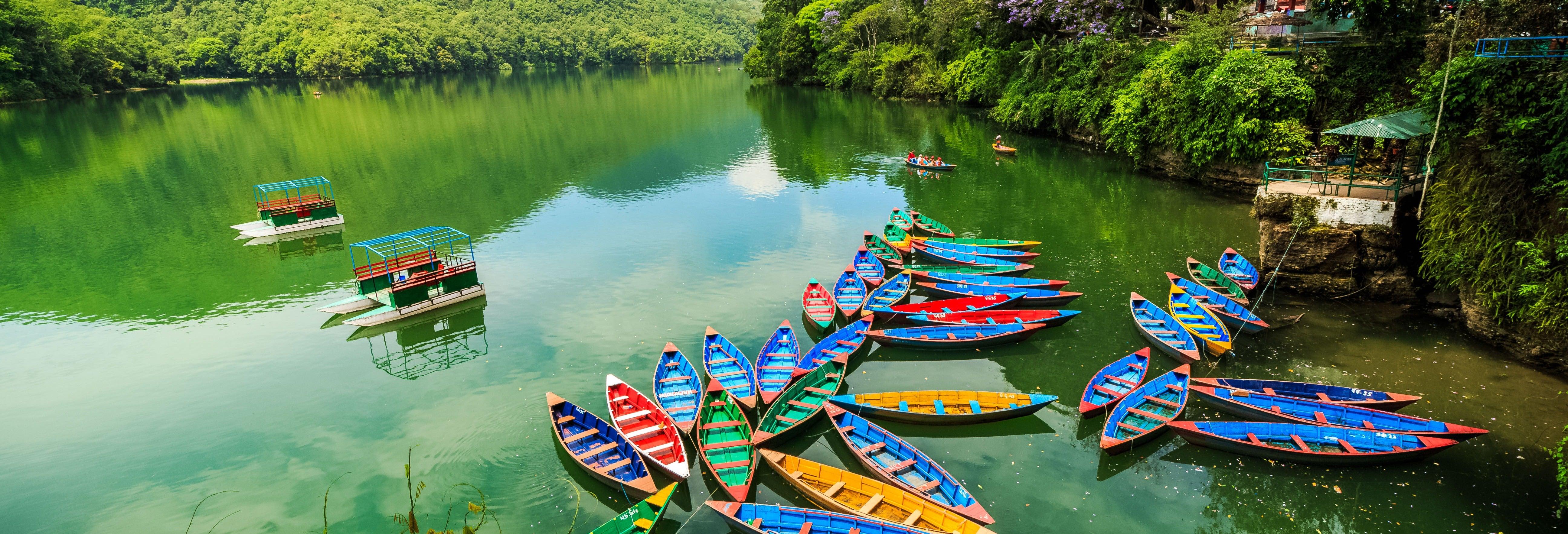 Paseo en barco por el Lago Phewa + Visita a la Pagoda de la Paz