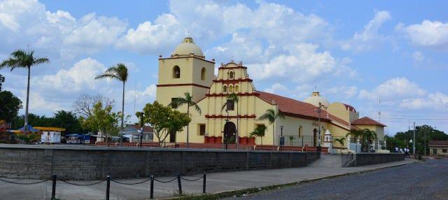 Tour por el barrio de Sutiaba + Isla de Juan Venado