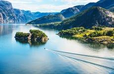 Giro in barca a Lysefjord per croceristi