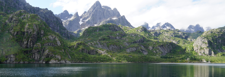 Pesca de catamarã em Trollfjord