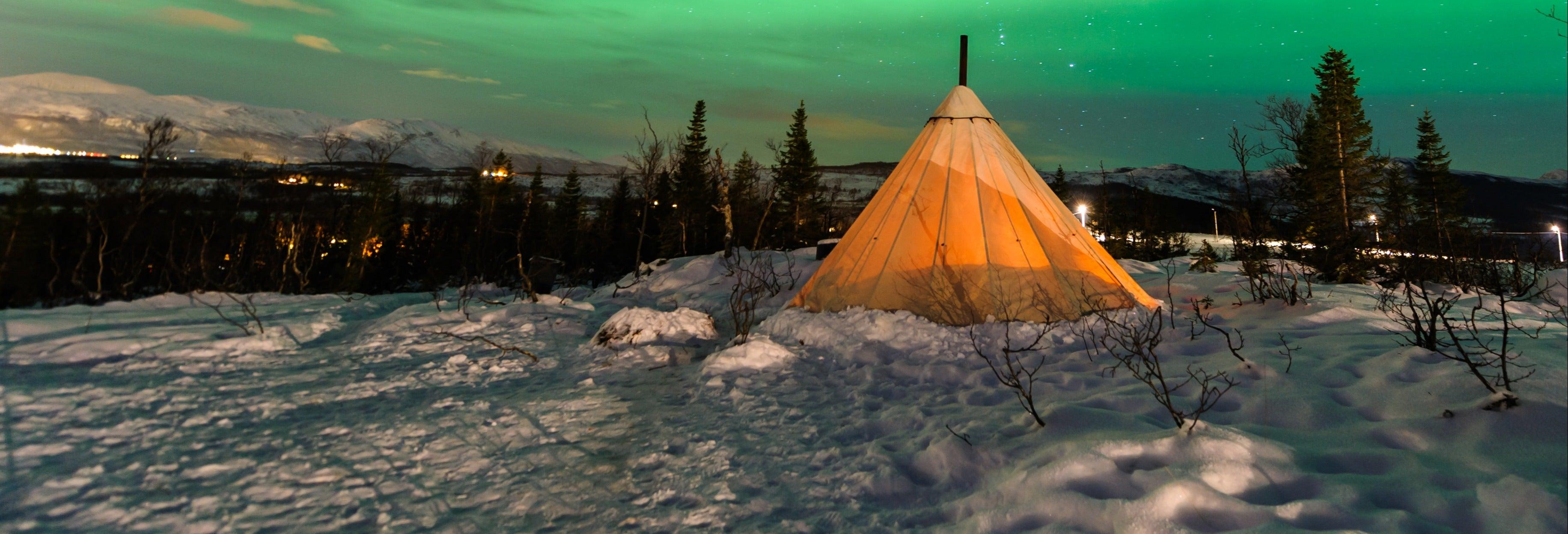 Noche en un campamento sami