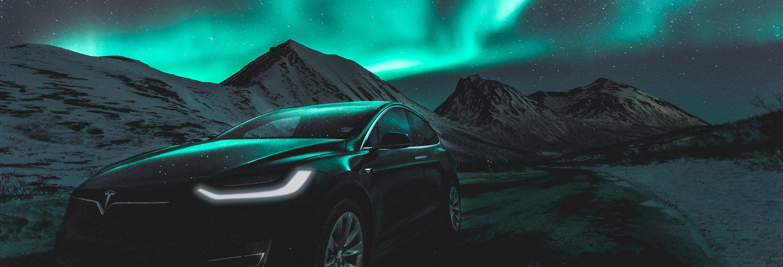 Tour de la aurora boreal en Tesla