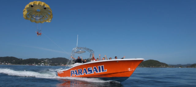 Parasailing en Bahía de las Islas