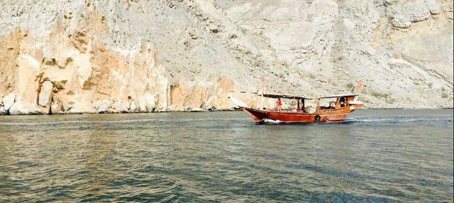 Paseo en dhow por el estrecho de Ormuz