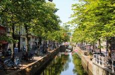 Tour privado por Delft con guía en español