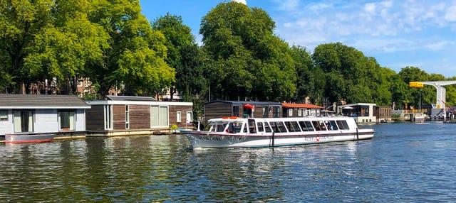 Paseo en barco por los canales de Leiden