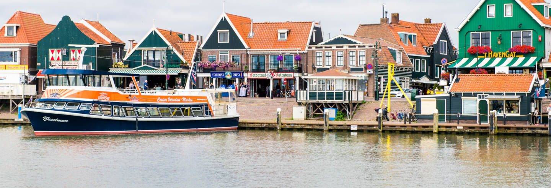 Ferry a Volendam