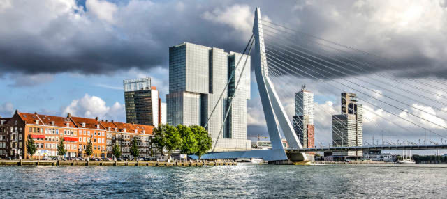 Visita por De Rotterdam + Tour en watertaxi