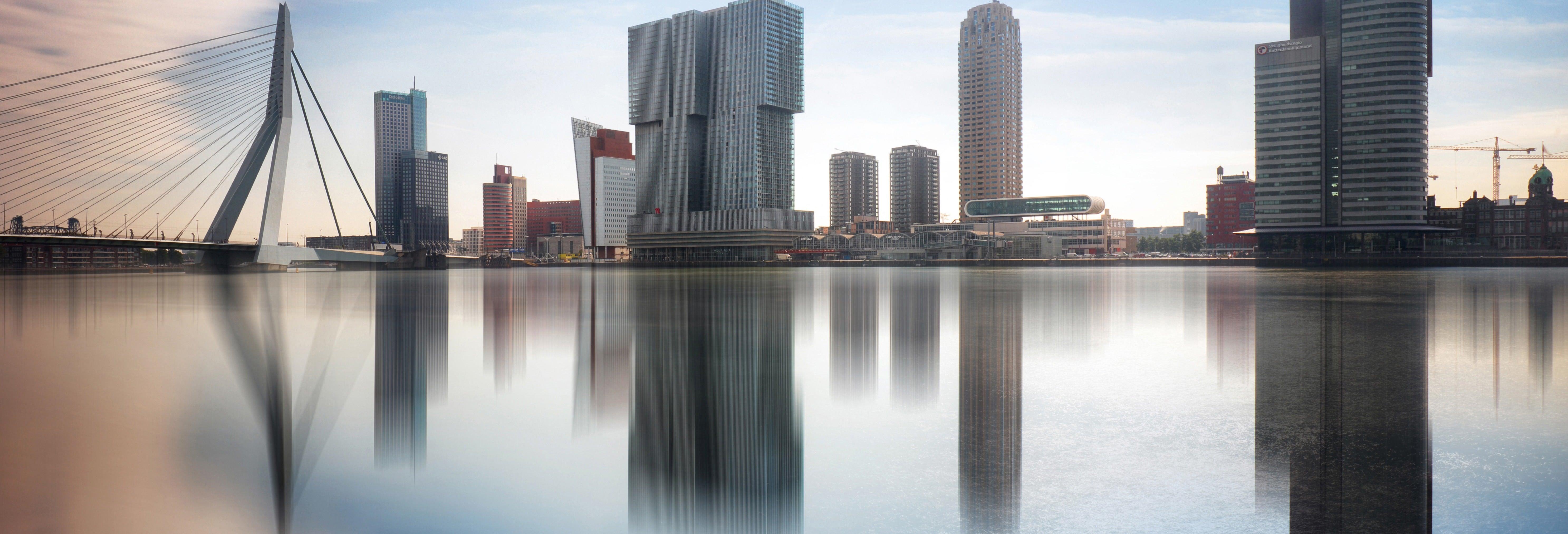 Visita del De Rotterdam + Tour in watertaxi