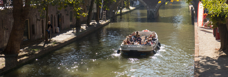Paseo en barco por los canales de Utrecht