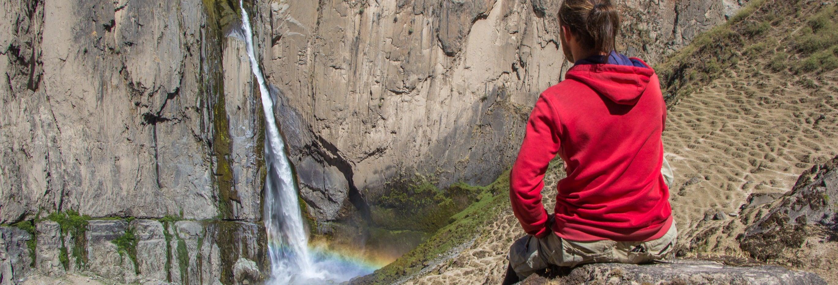 Excursion aux cascades de Capua et aux thermes de Yura