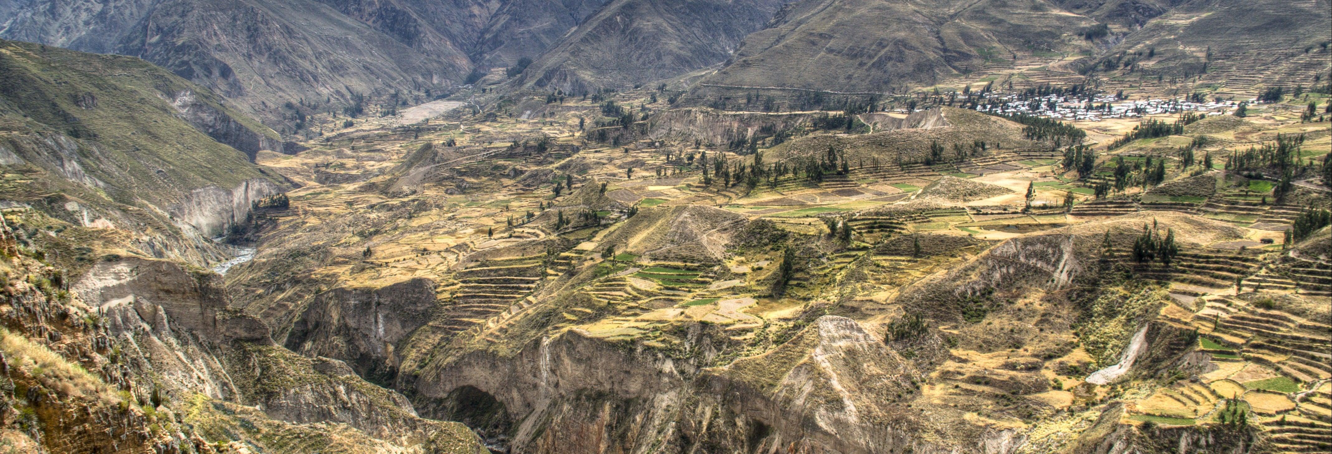 Tour de 2 dias ao Vale do Colca e ao mirante Cruz del Cóndor