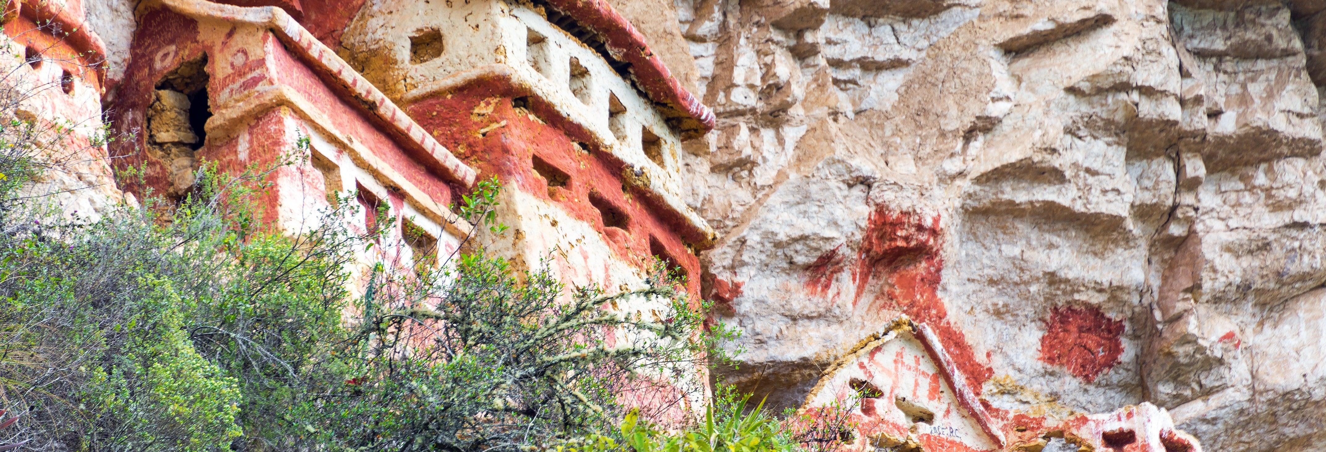Tour a los mausoleos de Revash y Leymebamba