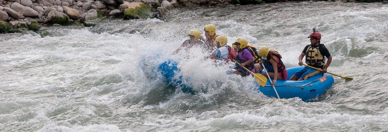 Rafting no rio Urubamba e tirolesa sobre o Valle del Sur