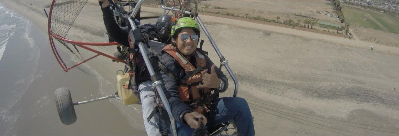 Vol en paramoteur sur la côte sud de Lima