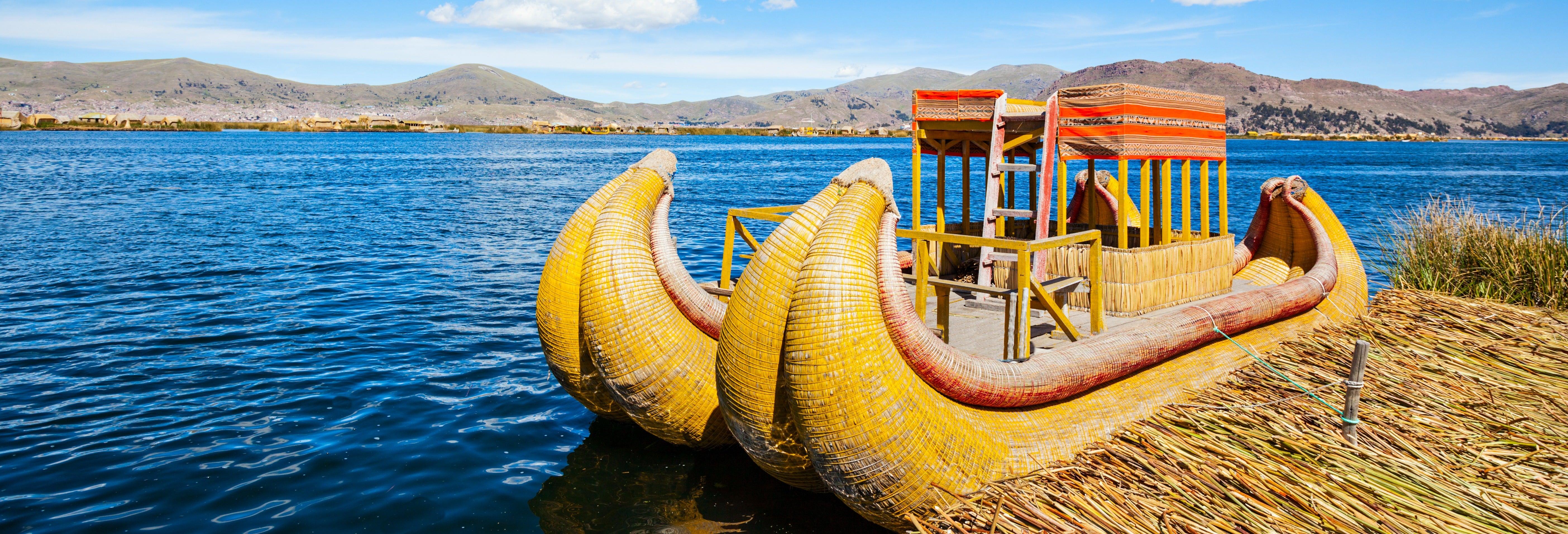 Excursión a las islas de los Uros + Trekking por Taquile