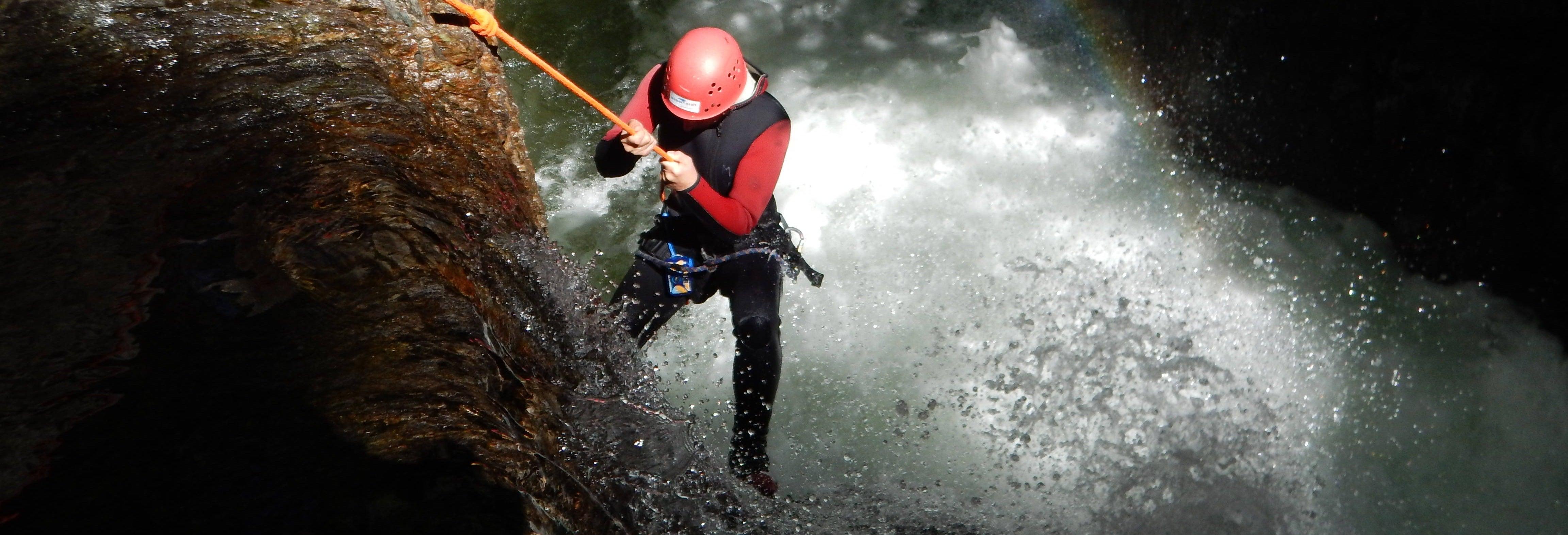Rápel en las cataratas del Tambillo
