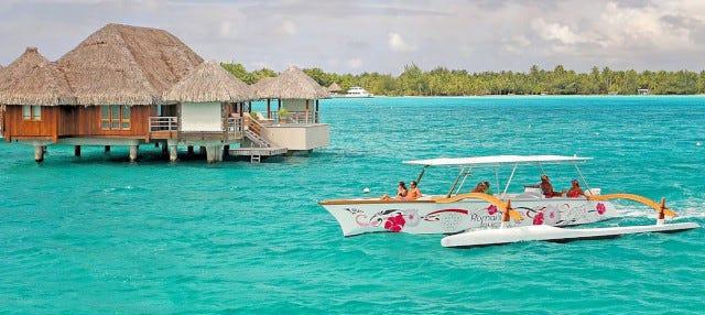 Crucero por Bora Bora en canoa polinesia