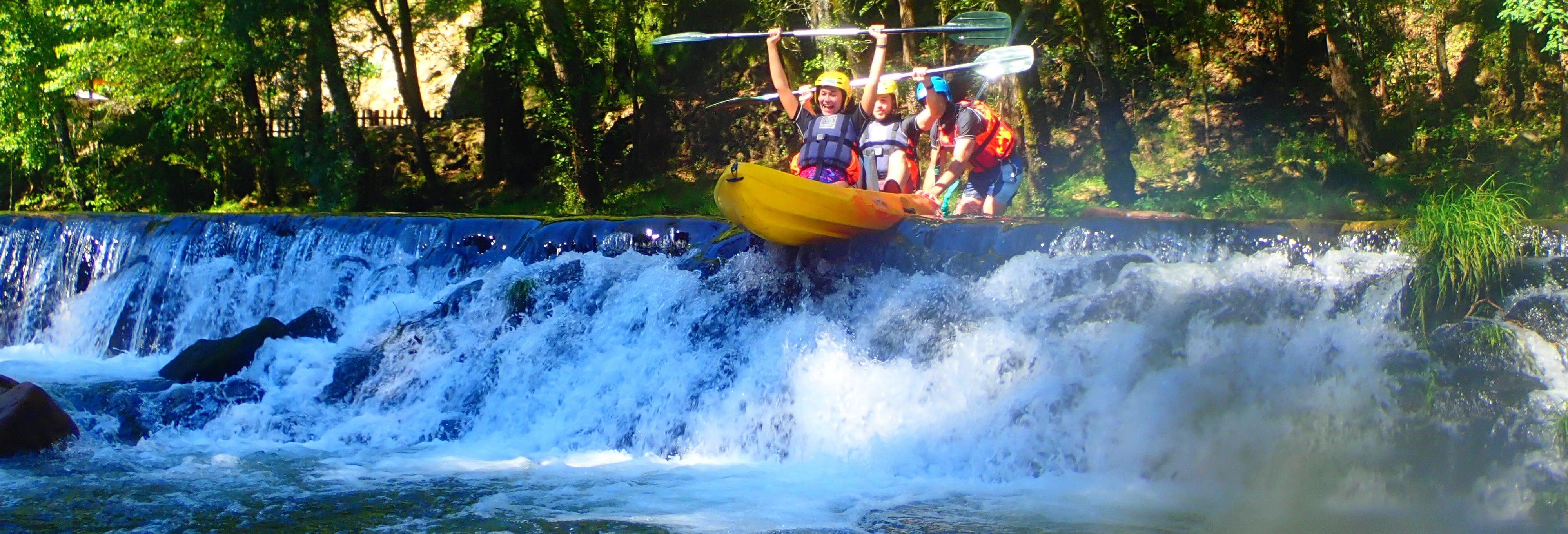 Tour de caiaque pelo rio Vez