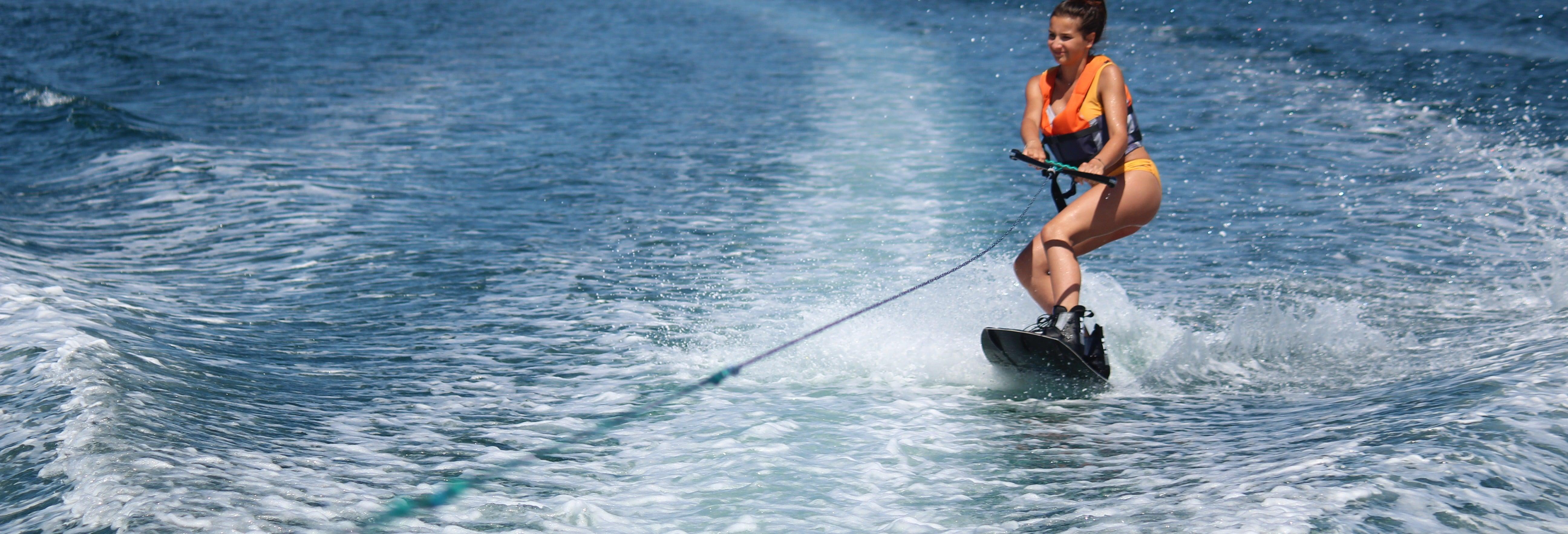 Ski nautique ou wakeboard à Armação de Pêra