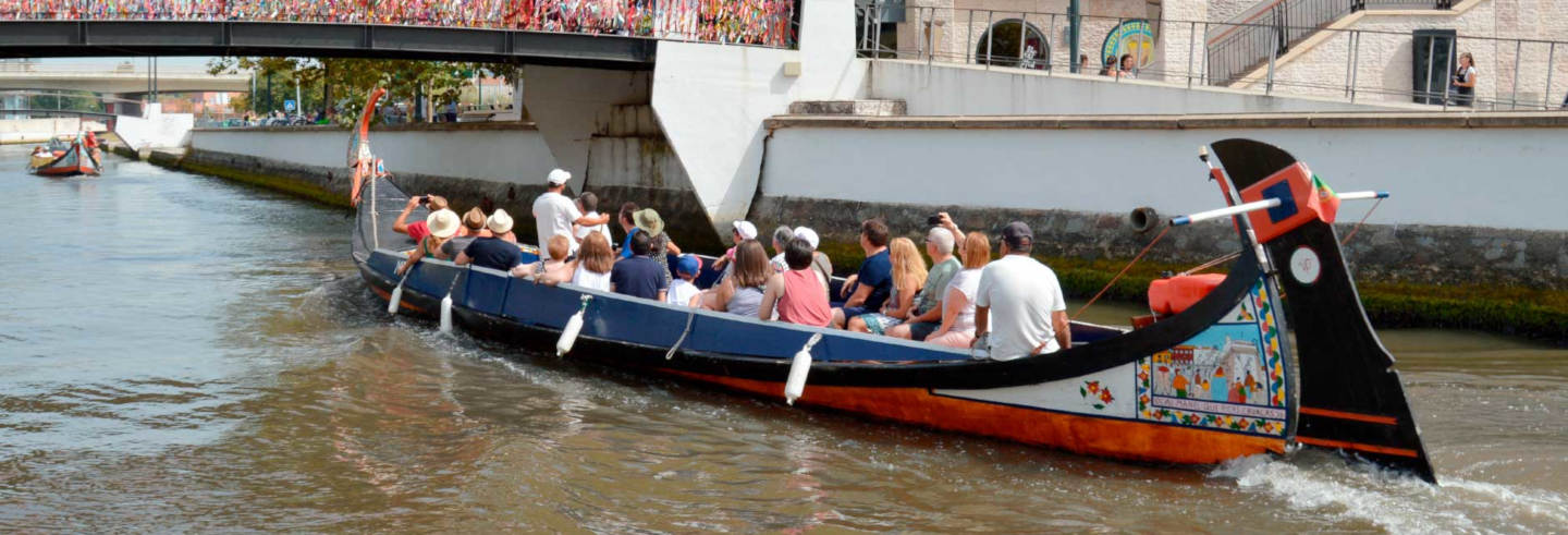 Paseo en barco moliceiro por Aveiro