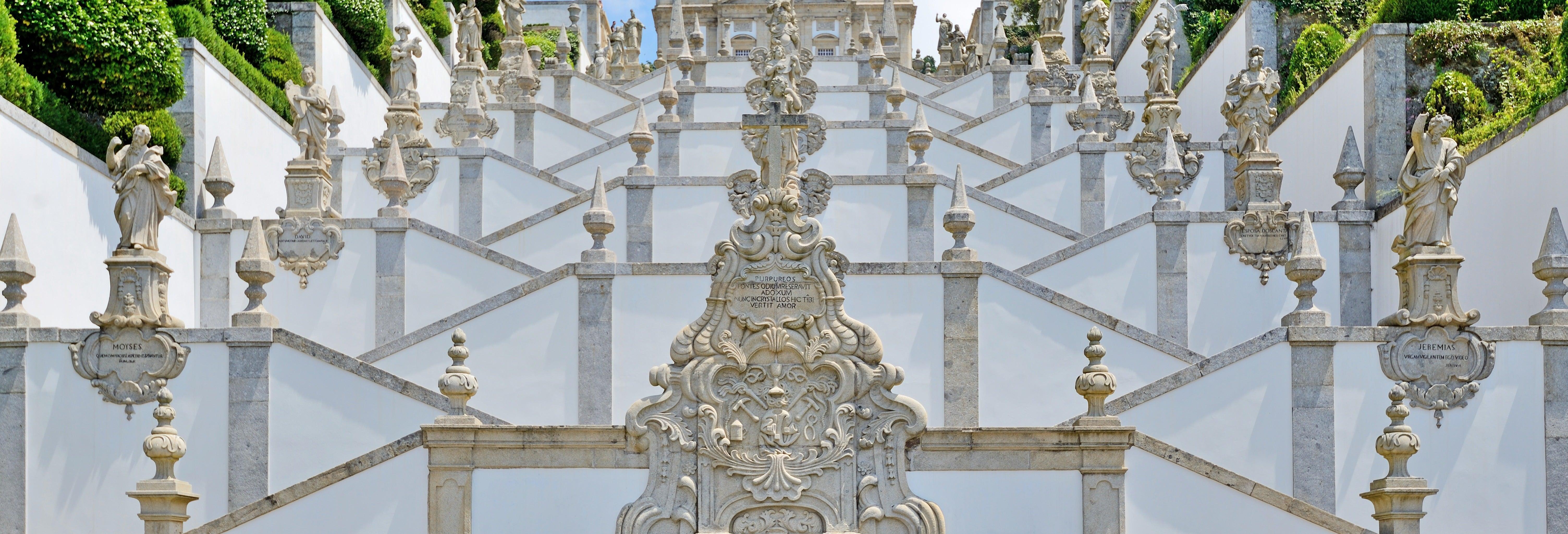 Tour privado por Braga com guia em português