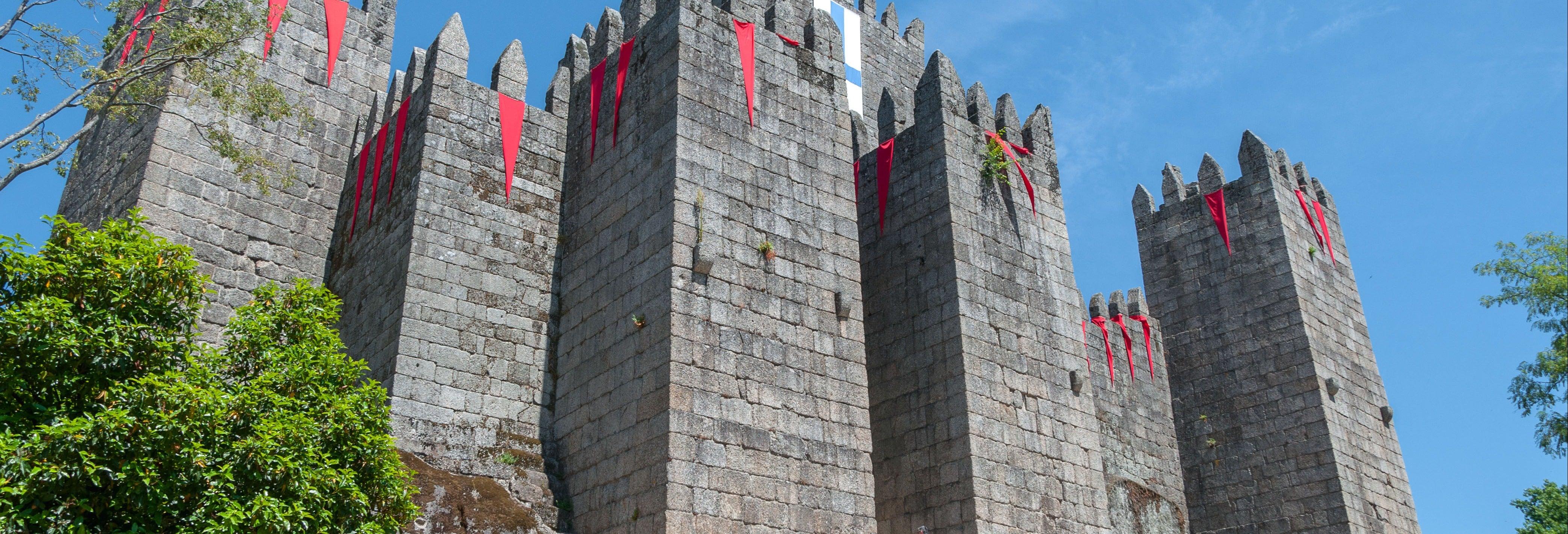 Tour di Guimarães + Castello e cappella di San Michele