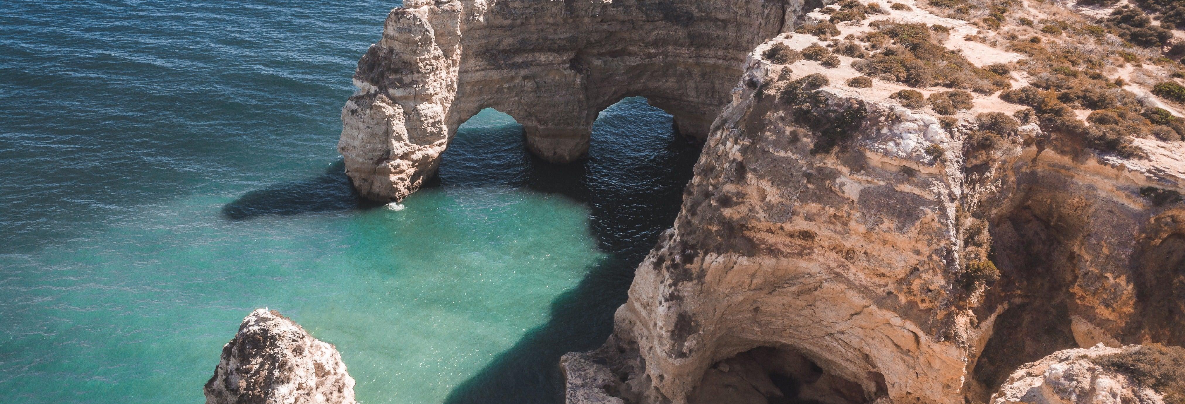 Passeio de barco pelo Algarve e grutas de Benagil