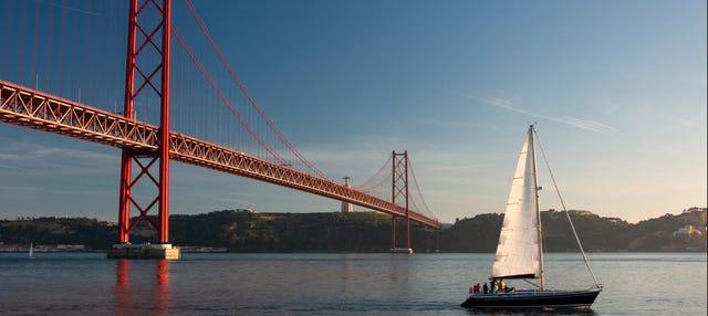 Aluguel de veleiro com capitão em Lisboa