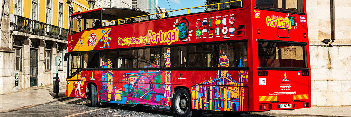 Ônibus turísticos no Porto