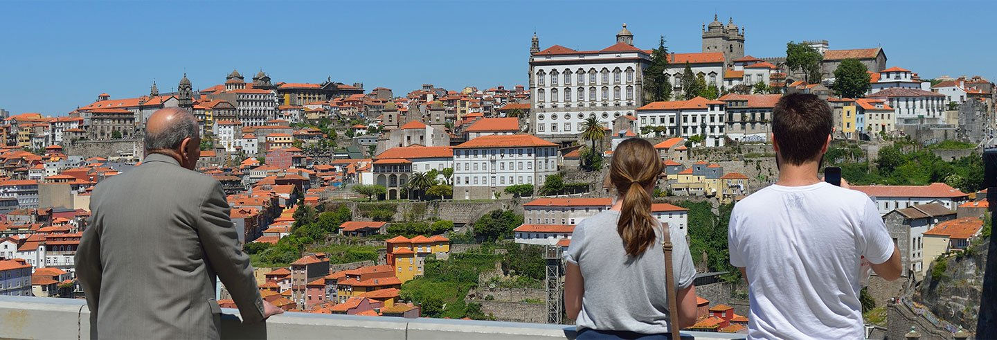Guided Tour of Porto and Wine Cellars