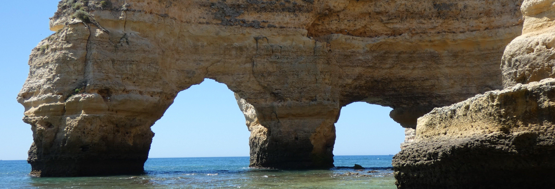 Paddle surf alla grotta di Benagil