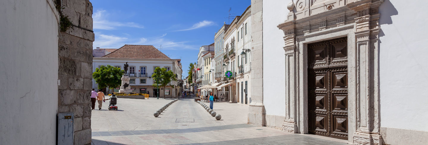 Santarem Guided Tour and Cathedral