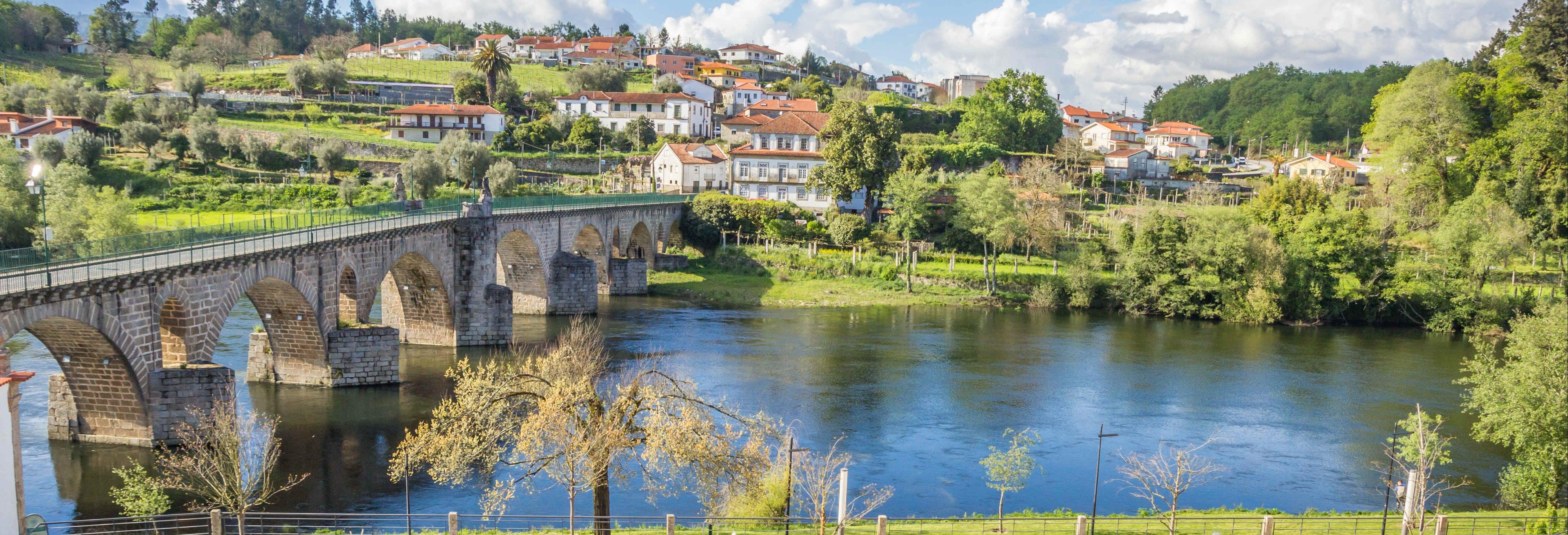 Tour pelos povoados do norte de Portugal