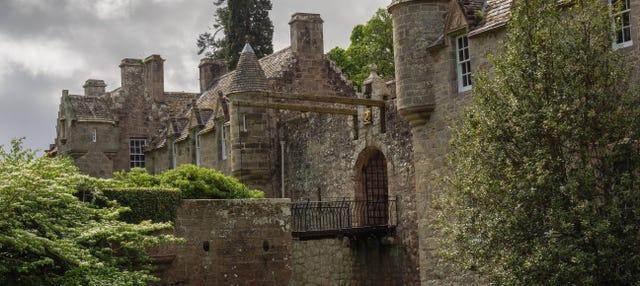 Castillos de Tolquhon y Fraser + Destilería Glen Garioch