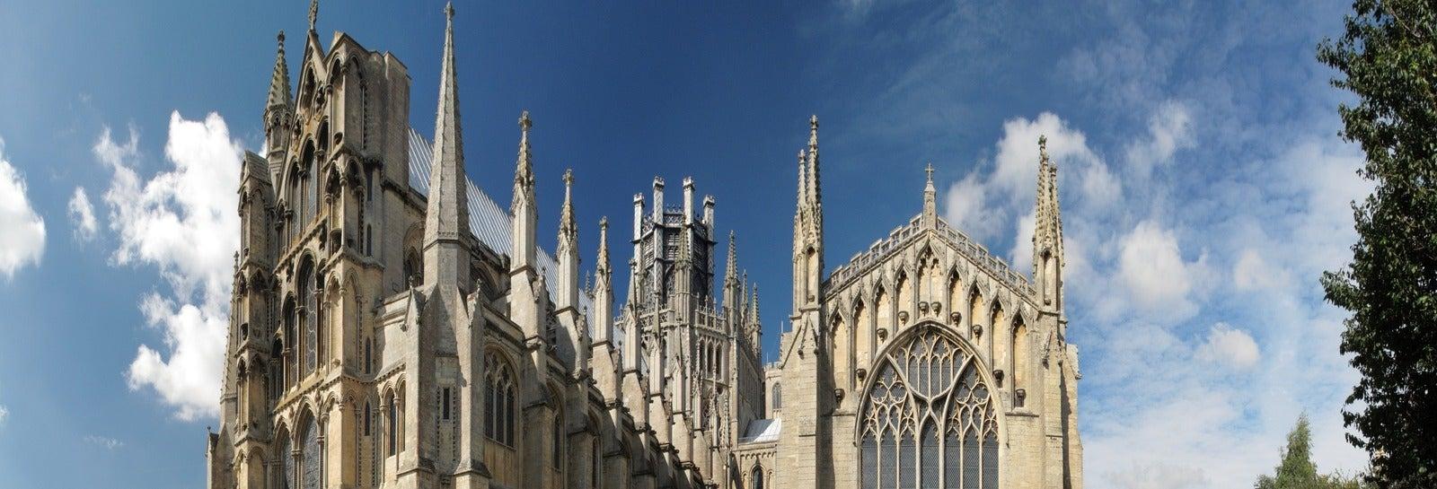 Ingresso da Catedral de Ely