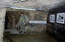 Tour por los túneles de la II Guerra Mundial