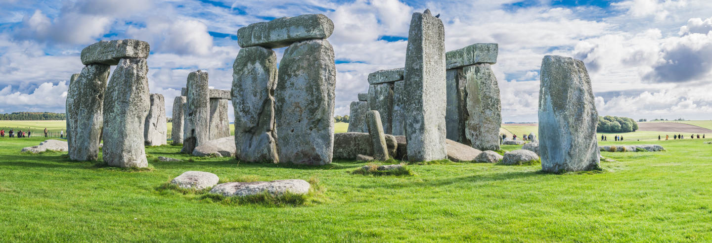 Stonehenge & Roman Baths Guided Tour