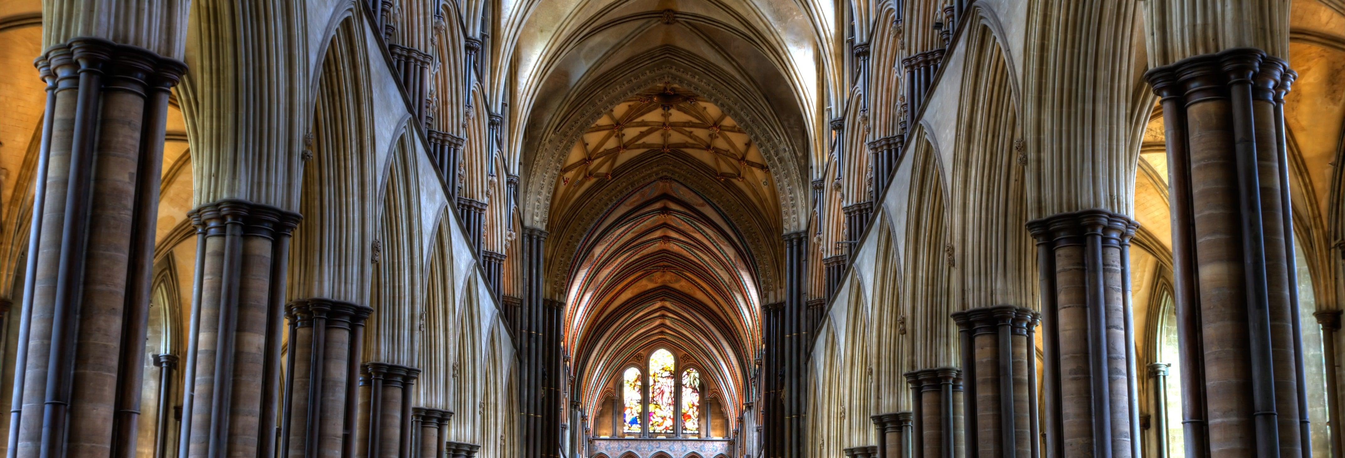 Stonehenge, Salisbury, Bath and Windsor Day Trip