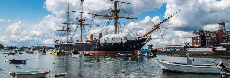 Entrada a los Astilleros de Portsmouth
