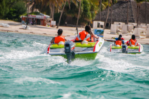 Driving a speedboat in Punta Cana