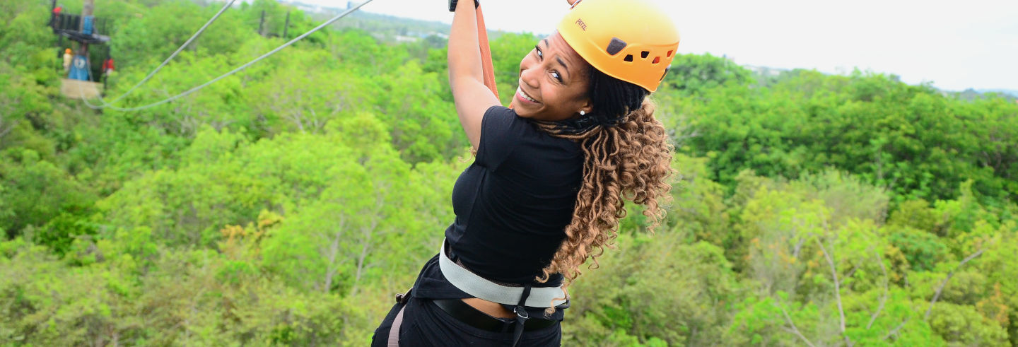 Tirolesa no Bavaro Adventure Park